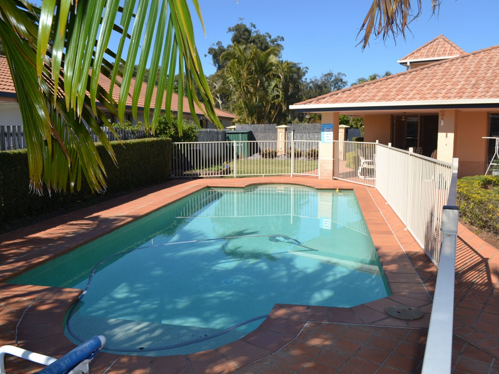 Large Netting Permanent - 3 Bedroom Residence