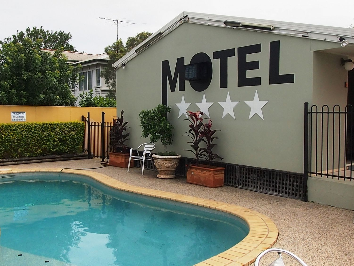 Fantastic New Leasehold B&B Motel In Outer Brisbane Precinct