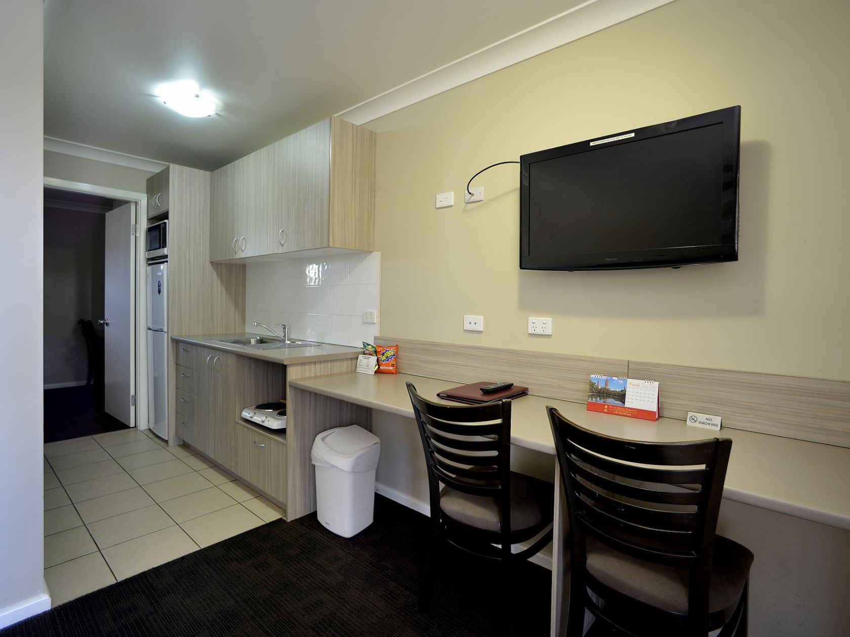 Country NSW Motel New 30 Lease, 24 Rooms Highway Frontage