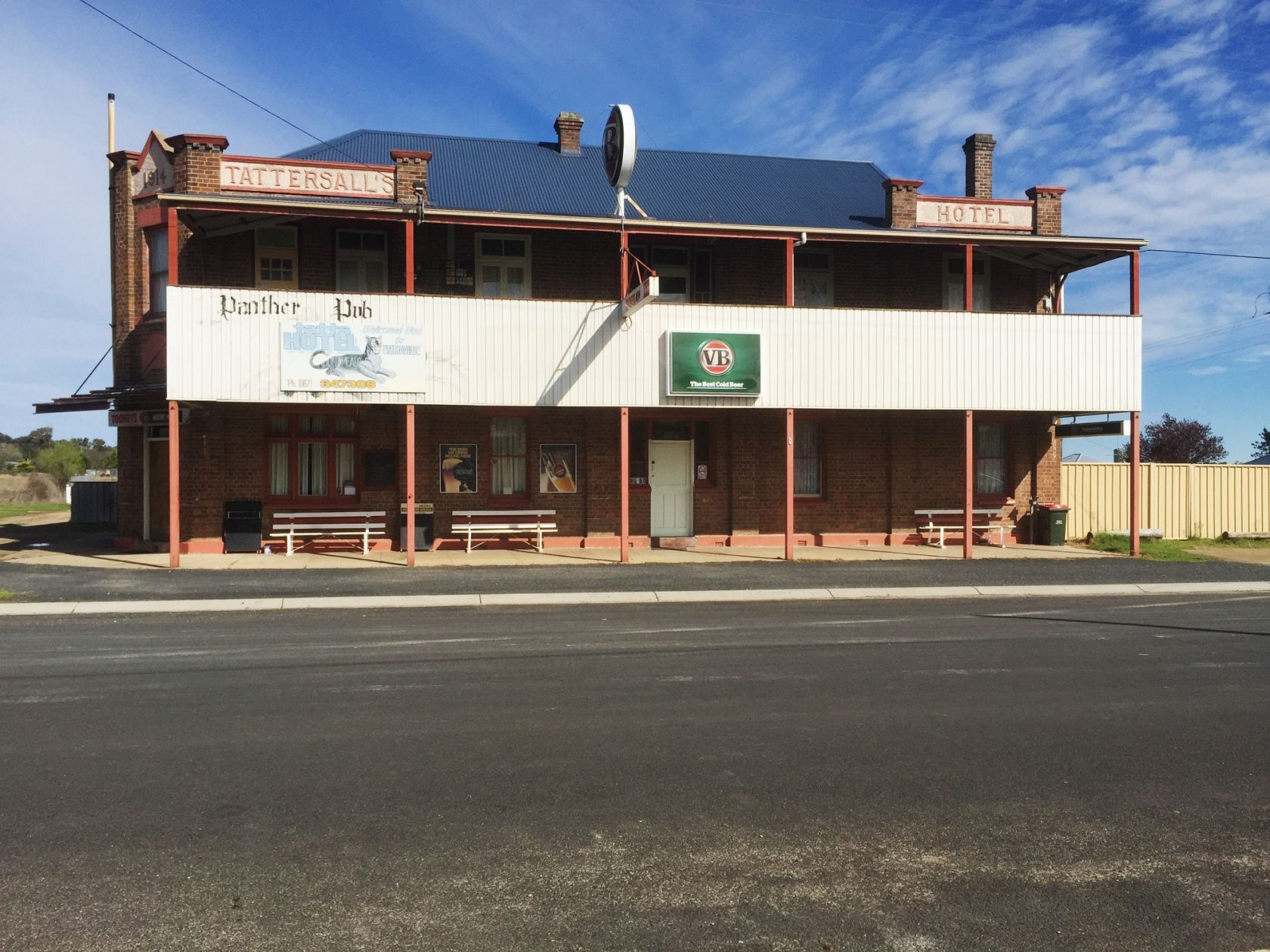 Freehold Country Pub NSW, Will Suit Couple