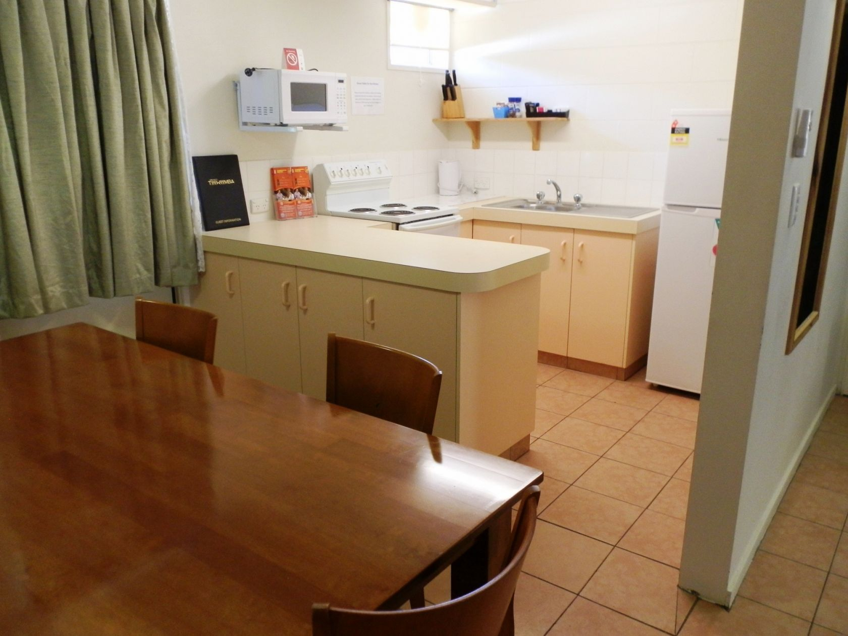 New Leasehold Motel Provincial City - One Hour From Brisbane