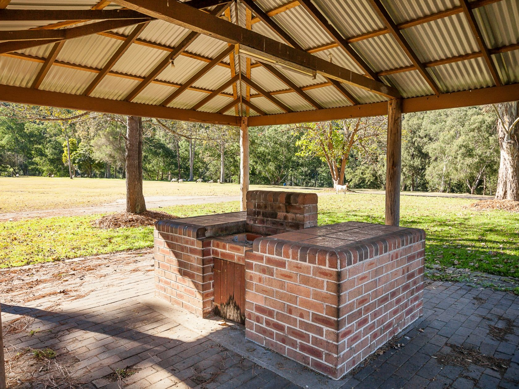 Freehold Caravan Park Only 90 minutes From Sydney CBD