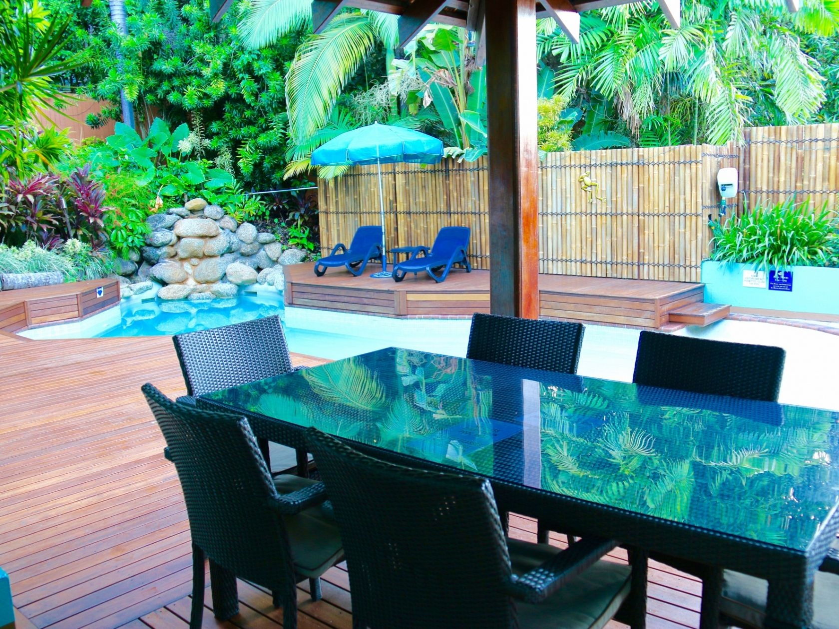 Profitable Business In The Heart Of Port Douglas