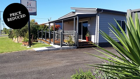 Freehold Going Concern, Motel | QLD - South | Snappy Country Motel Priced to Sell!