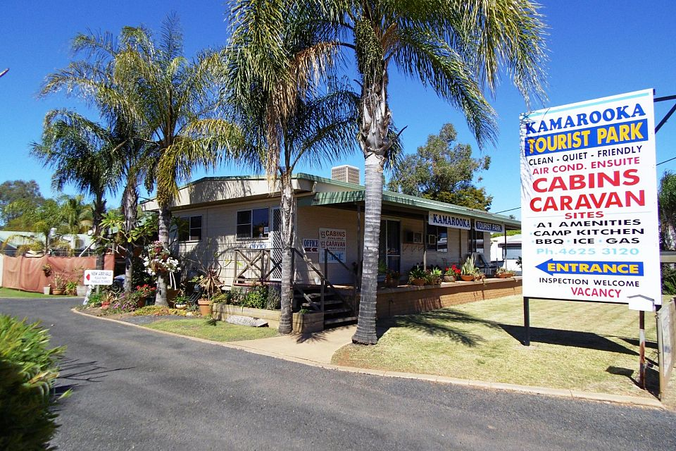 Easily Run Western Qld Caravan Park Middle Of Town