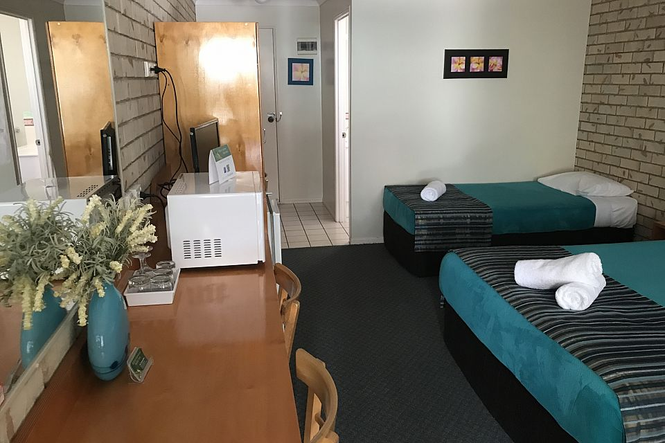 Leasehold Motel Well Suited to Couple - One Hour from Sunshine Coast