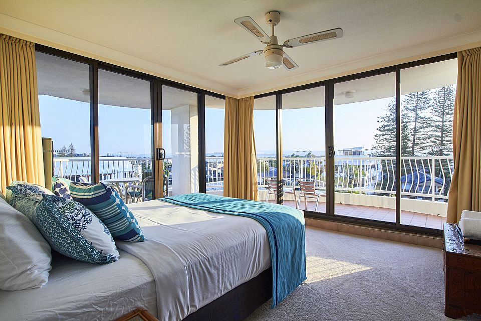 Outstanding Lifestyle Business Right on the Sands of Mermaid Beach