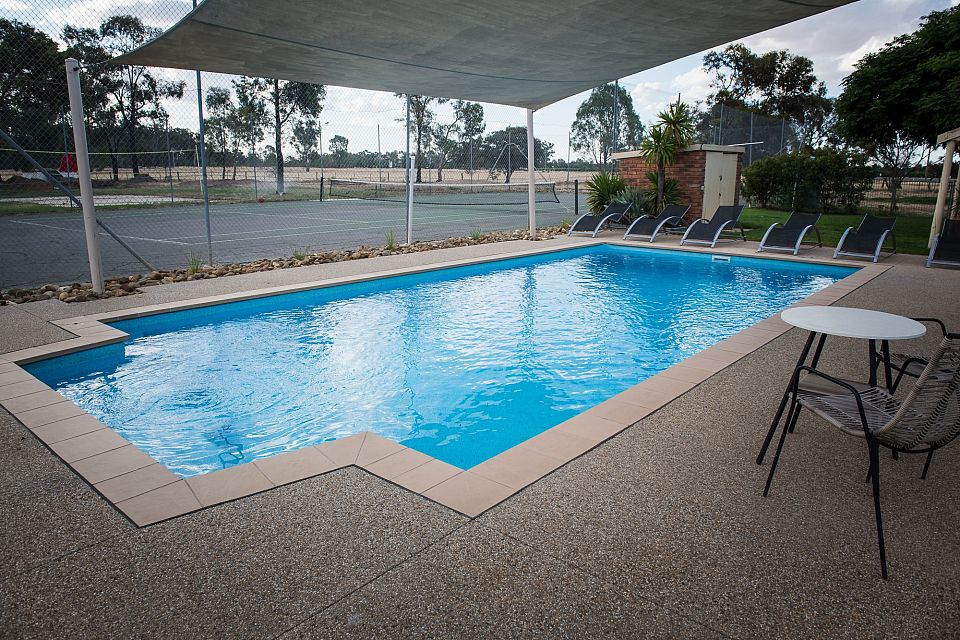 Enjoy A Sunny Lifestyle With Prime Murray River Frontage At This Resort Motel