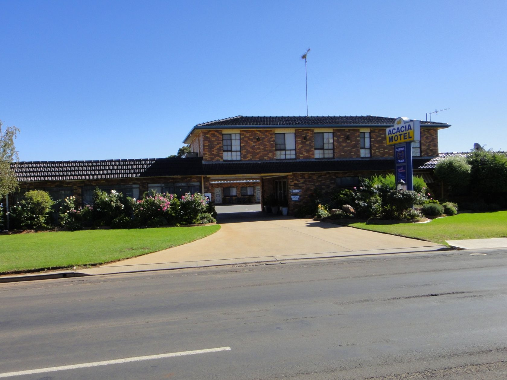 Acacia Motor Inn Leasehold Motel For Sale Nsw South West Riverina Profitable