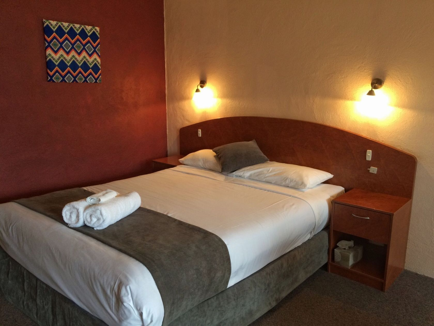 Beautifully Presented Motel in Picturesque Town