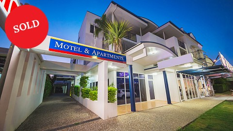 Leasehold, Motel | QLD - Central | Leasehold Of Beautifully Presented 38 Room Motel and Apartments