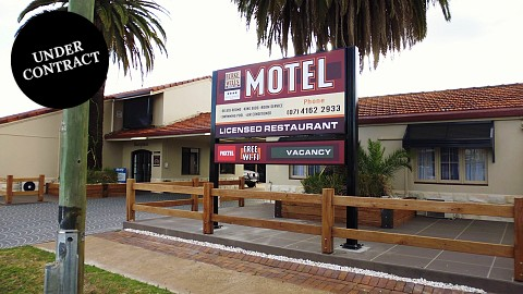 Leasehold, Motel | QLD - South | Largest, Best Motel Leasehold, Long lease