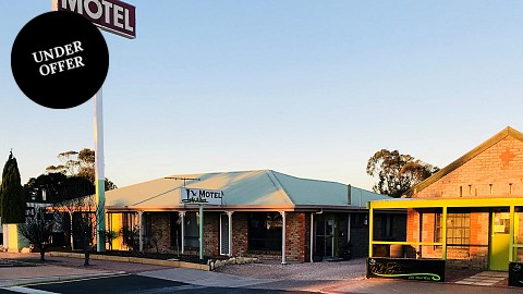Leasehold, Motel | SA - Murraylands | Buy Yourself a House and Income