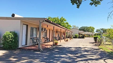 Freehold Going Concern, Motel | QLD - Townsville Mackay | Two Motels Operate As One Business In The Curry