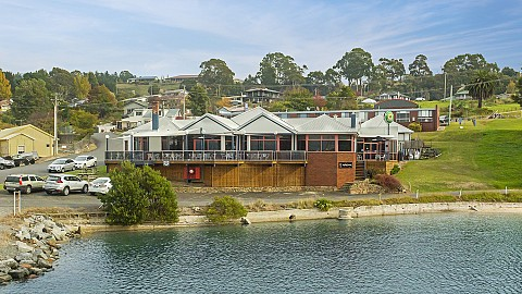 Leasehold, Hotel | TAS - West Coast | Absolute Waterfront Marina Hotel / Great Returns!